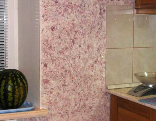 Жидкие обои в сочетании с керамической плиткой