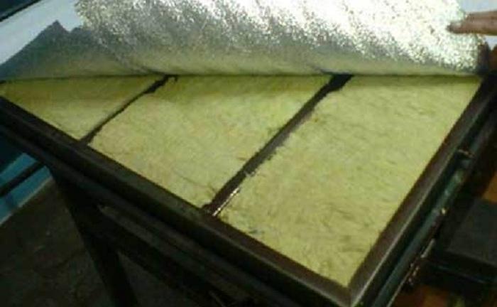 Утепление дверной коробки металлической входной двери своими руками